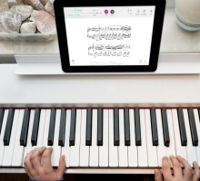 Piano lessons made easier with Tomplay